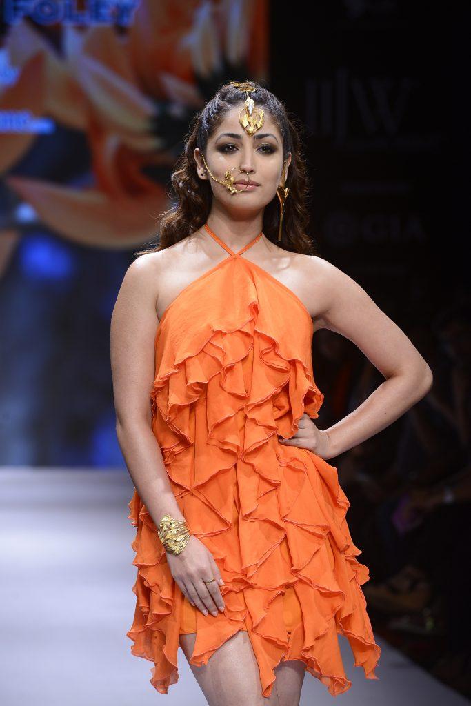 IIJW- Pallavi Foley- Showstopper Yami Gautam