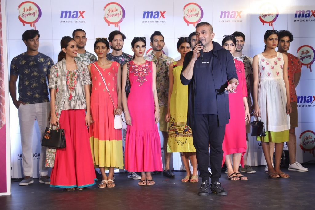 Mr.Prasad Bidappa (Renowned Fashion Stylist) & Team showcasing the Max Spring 2018 Collection